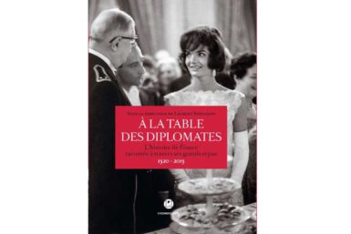 a-la-table-des-diplomates
